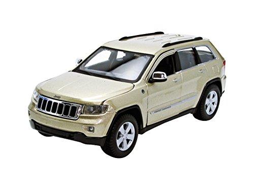 Maisto Jeep Grand Cherokee Laredo SUV 124 Scale Diecast Model Car White