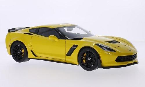 Chevrolet Corvette C7 Z06 yellow 2014 Model Car Ready-made AutoArt 118