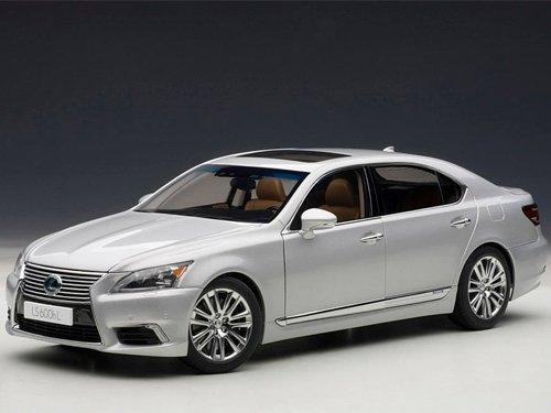 AUTOart 118 Lexus LS600hL Sonic Silver  Tan