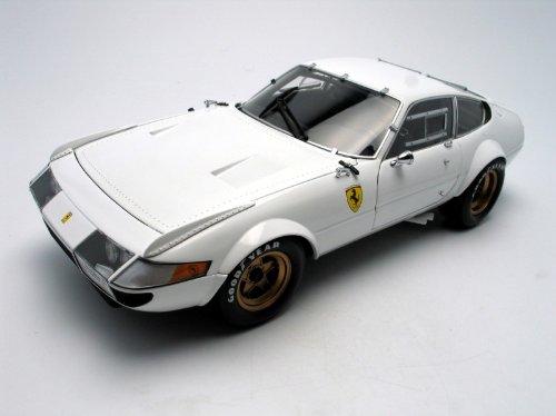 Ferrari 365 GTB4 White Competizione 118 Kyosho Diecast Car Model