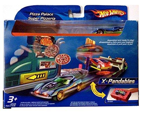 Hot Wheels X-PANDABLES Pizza Palace Super Pizzeria Mobile Playset 2005