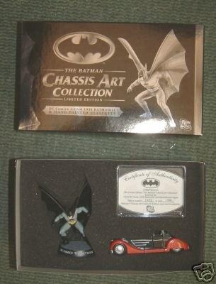 Batman Chassis 1930 Batmobile Diecast Car Figure