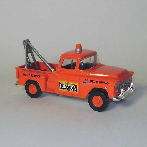 Die Cast Matchbox 1955 ChevroletChampion Sparkplug Towing and Service Truck 143