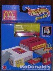 Hot Wheels Sto Go McDonalds Playset with Vehicle