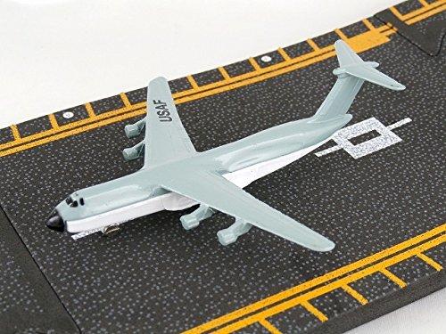 Hot Wings Hot Wings C-5 airplane die-cast with Galaxy runway