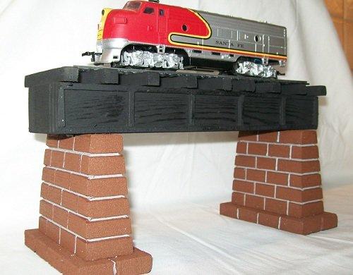 Model Railroad HO Gauge Train Layout Girder Bridge Piers