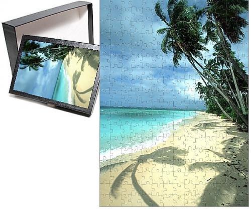 Photo Jigsaw Puzzle of FIJI - Taveuni Island Beach Coconut Palms a Shadow