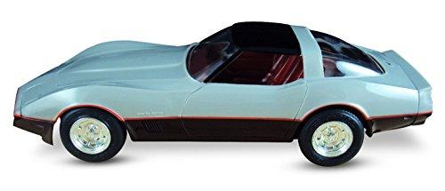 ERTL AMT 1982 Chevrolet Corvette 125 Scale model SilverDark Claret Plastic ERTL Promo Collectors Item