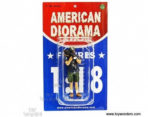 77734 American Diorama Figurine - Single Camera Man Norman Figure 118 77734 Diecast Car Model Auto Automobile Toy Metal Vehicle