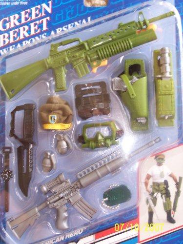 1993 Hasbro GI Joe Hall of Fame  Green Beret  Weapons Arsenal
