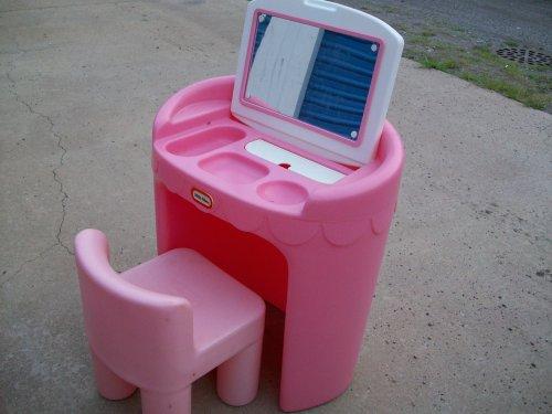 Little Tikes Little Girls Pretend Play Vanity Chair