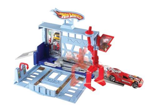 Hot Wheels City Power Lift Garage Playset