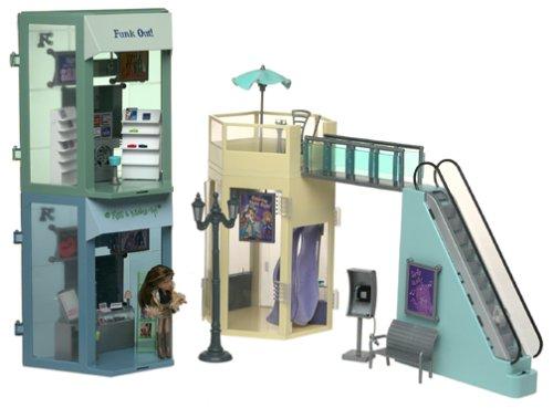 Bratz Lil 2003 Fashion Mall in Original Box