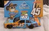 Kyle-Petty-45-Car-Georgia-pacific-2003-Dodge-Die-Cast-Metal-1-24-Scale-Model-46.jpg